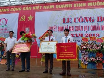 Xã Giai Xuân huyện Tân kỳ đón Bằng công nhận đạt chuẩn Nông thôn mới